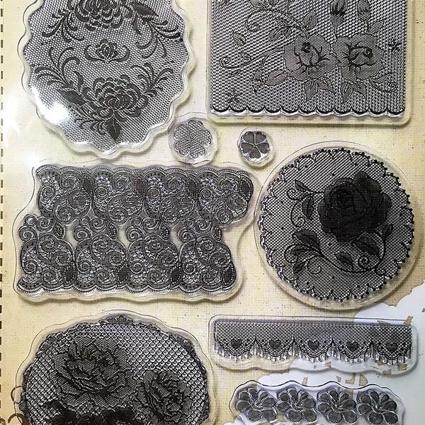 Silikónová pečiatka - krajky s ružičkami a srdiečkami