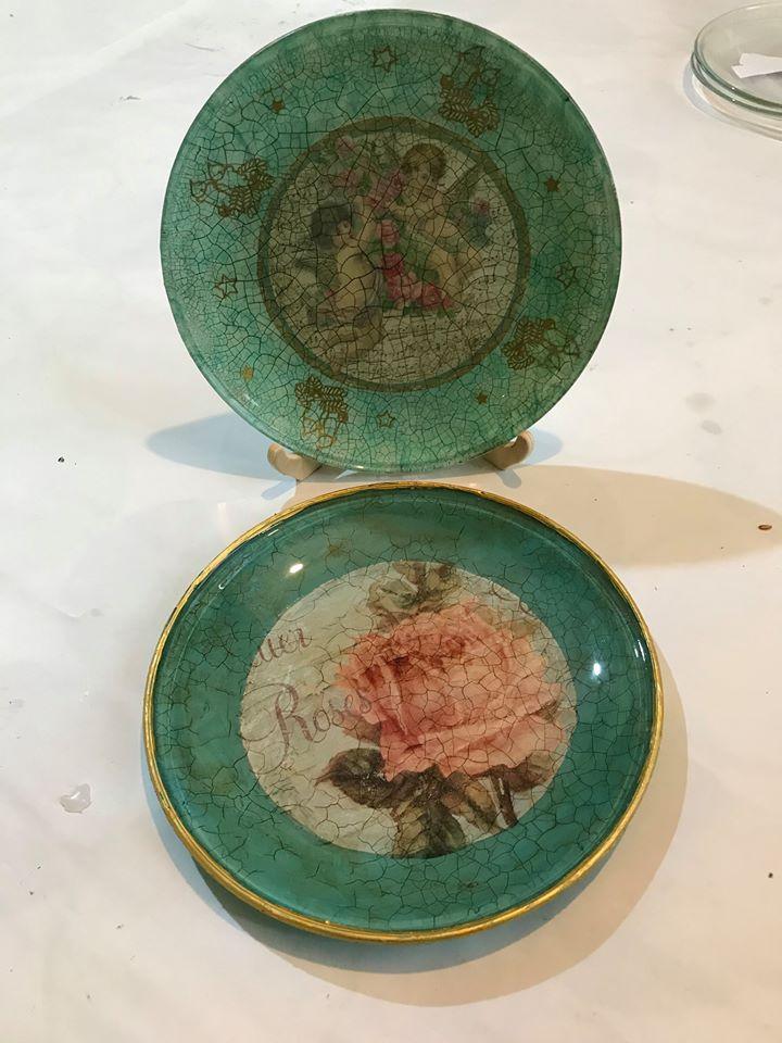 Sklenený ozdobný tanierik